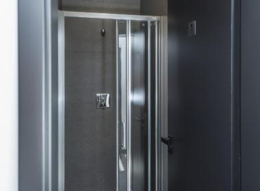 TIRCENTRUM facilities - showers